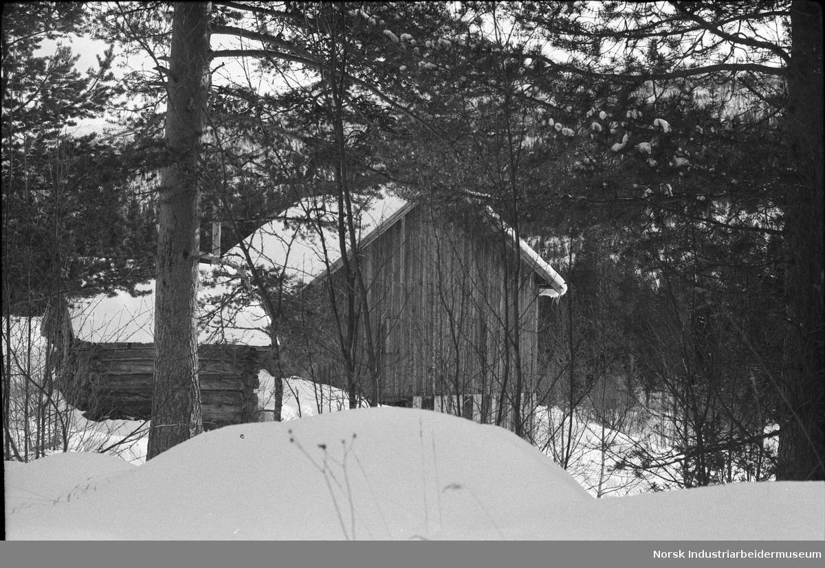 En hytte i snøen i Breisetdalen.