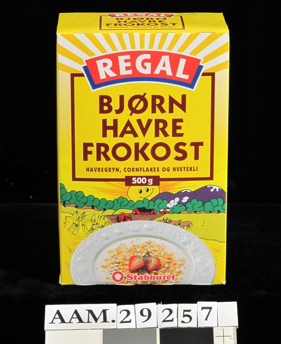 Dyp tallerken med havregryn m.m., melk og syltetøy, kornåker og gårdsbruk.