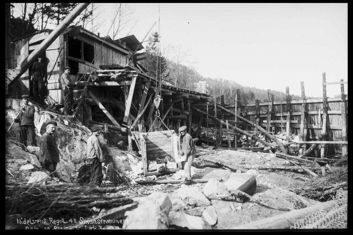Arendal Fossekompani i begynnelsen av 1900-tallet CD merket 0565, Bilde: 44 Sted: Elva  Beskrivelse: Regulering Småstraumene