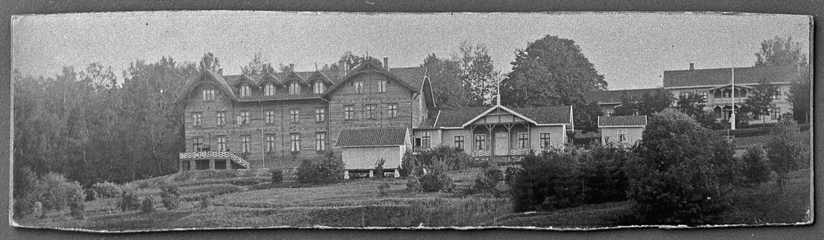 Badebakken mellom 1885 og 1902