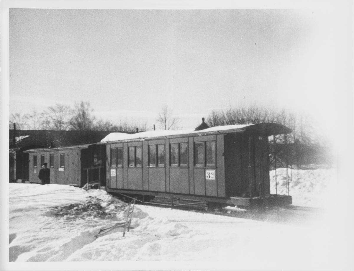 Driftsklare personvogner på Sørumsand stasjon