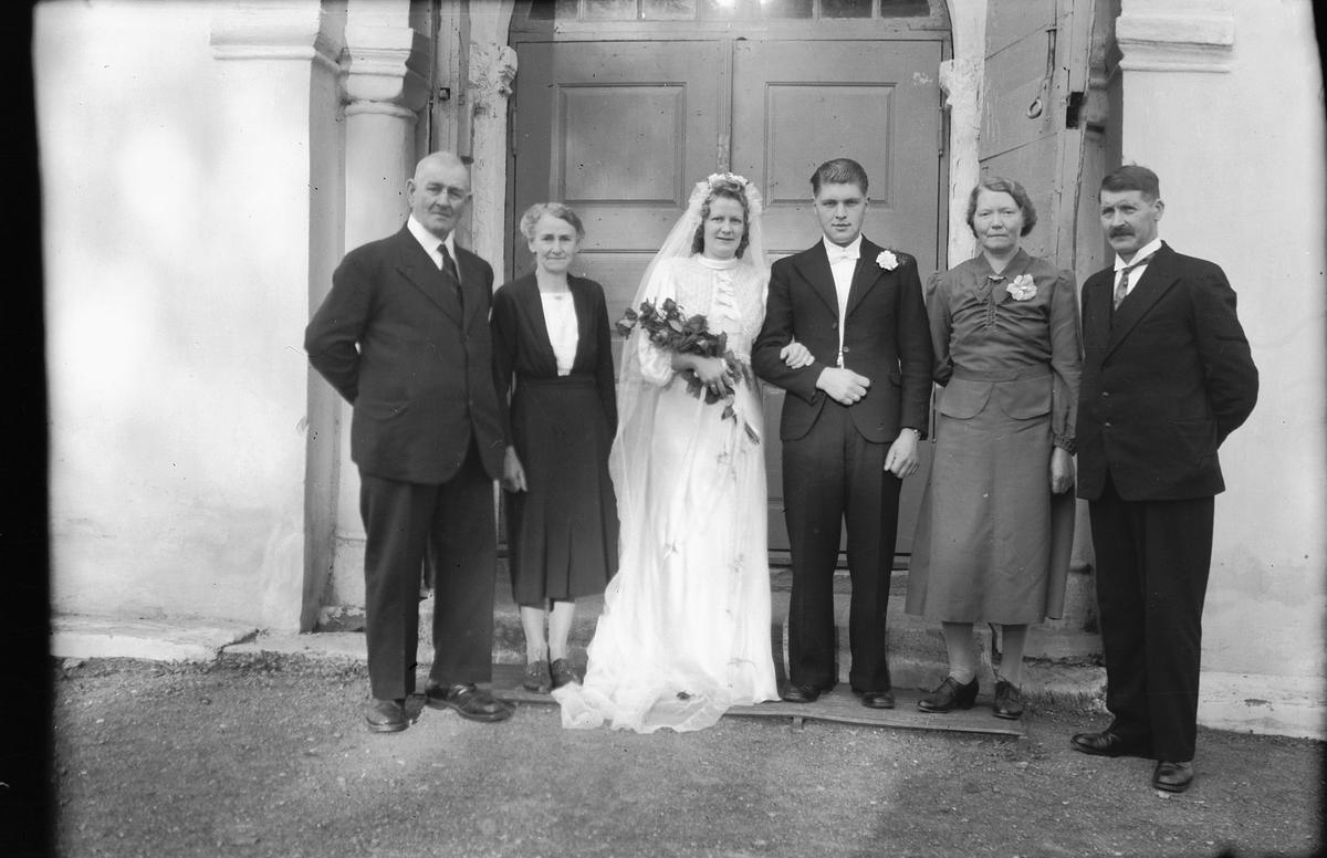 Brudepar,Haug, familiegruppe, paret med foreldre.