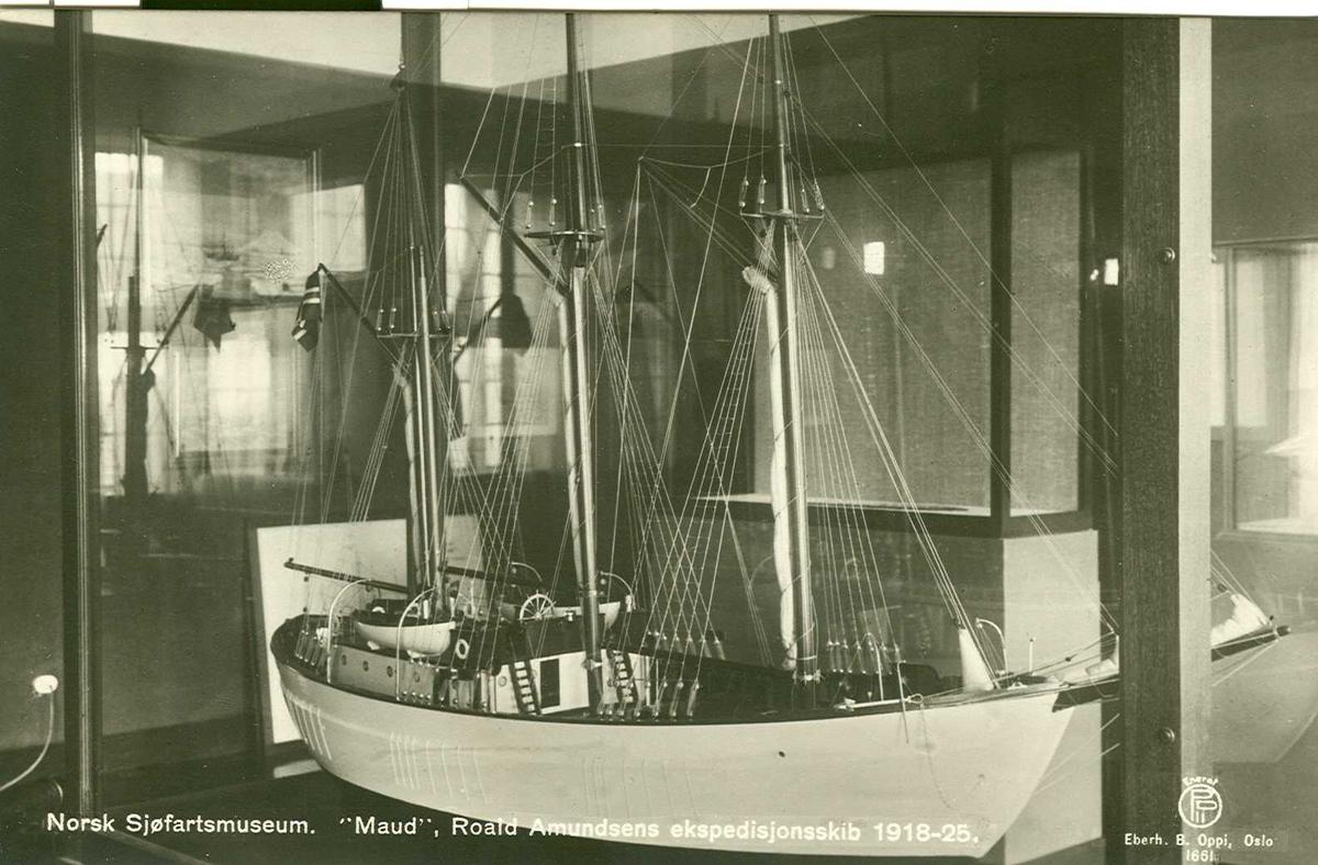 """Fartøybilder fra Agder  """"Maud""""  Baksidetekst: """"Norsk Sjøfartsmuseum. """"Maud"""", Roald Amundsens ekspedisjonsskib 1918-25.""""  Opprinnelig filreferanse i eDepoet: F0122_Fartøybilder-SMW_090525\MAUD"""