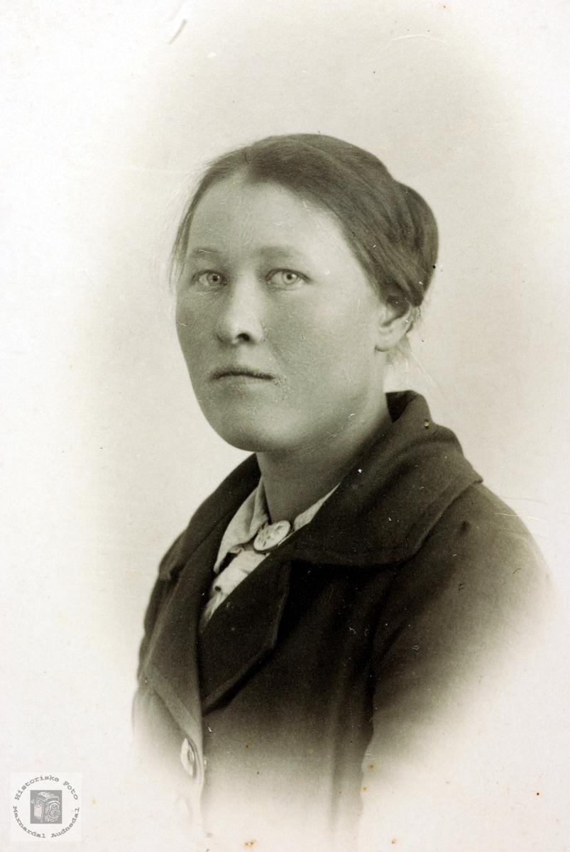 Portrett av Torborg Håland fra Hægebostad.