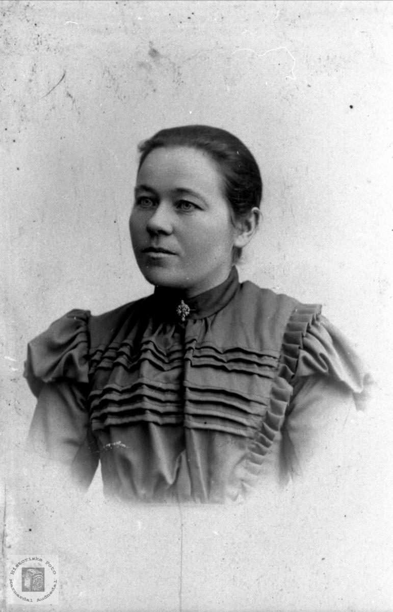 Portrett av Torborg Bjerland, Bjelland.