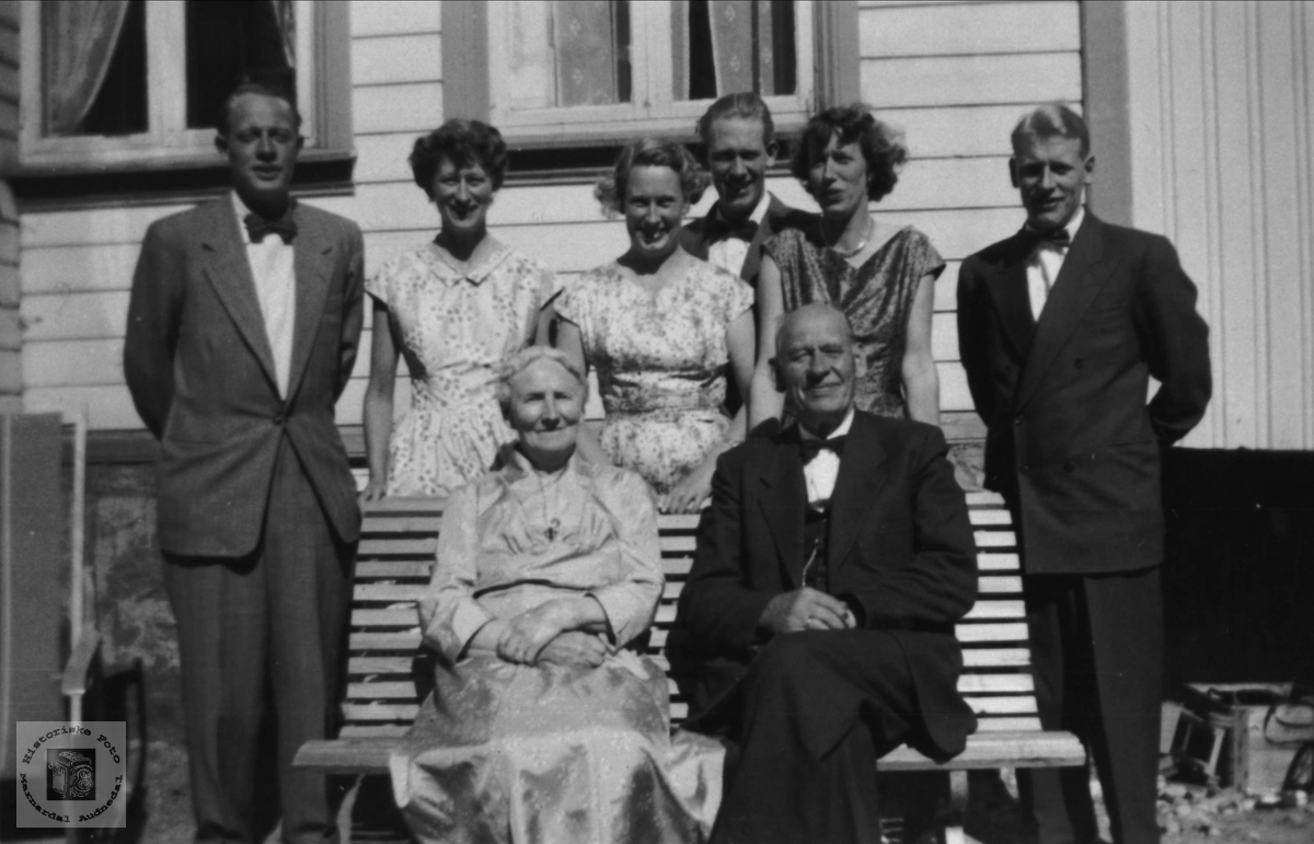 Familiebilde, Anne N. Nome 70 år, Øyslebø.