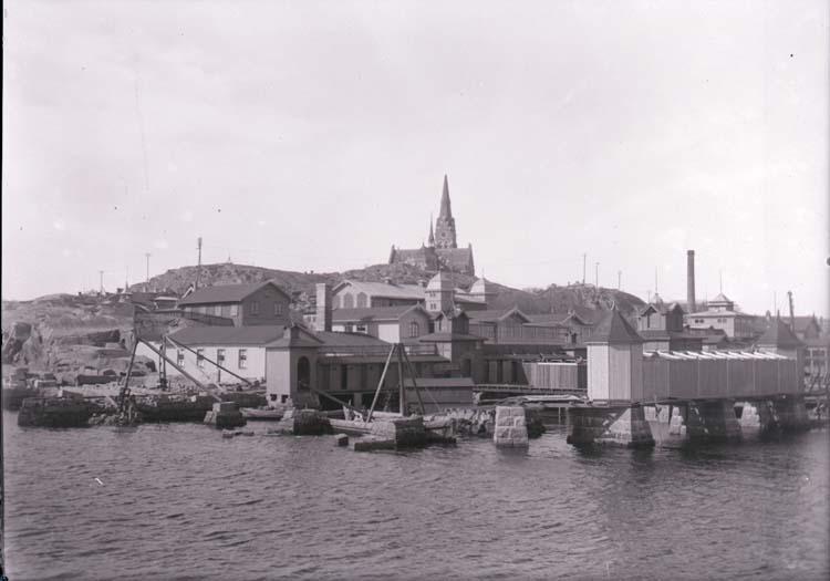 """Enligt text som medföljde bilden: """"Ombyggnad av dambassängen. Vår 1915""""."""