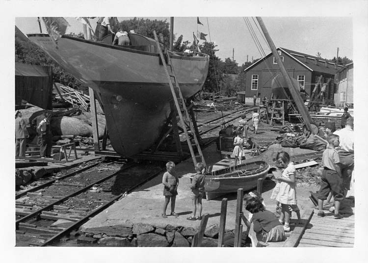 Sjösättning av s/y GULLVEIG 1951