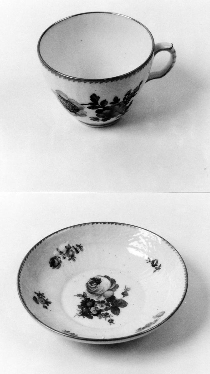 A: Kopp;  B: Skål Kopp og skål som A 00836 A-B, men dek. forskj. i detaljene