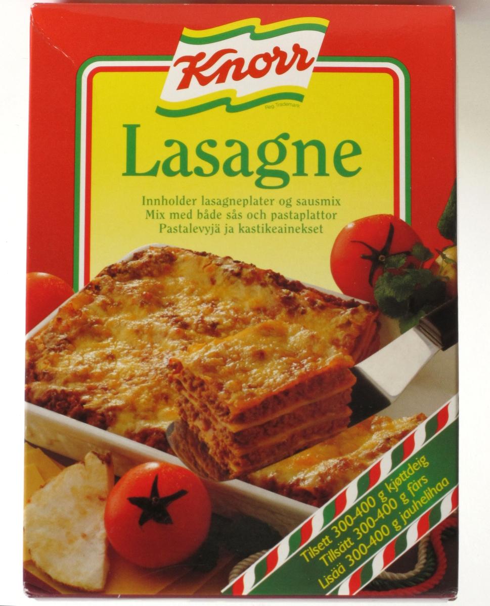 Lasagne og tomat.  Bånd med italienske farger t.h.