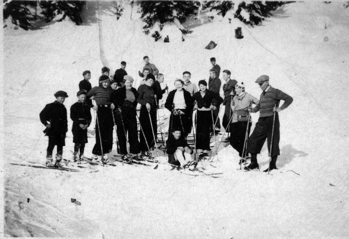 Åmlibilder samlet av Åmli historielag Skuletur til Vikstøyl