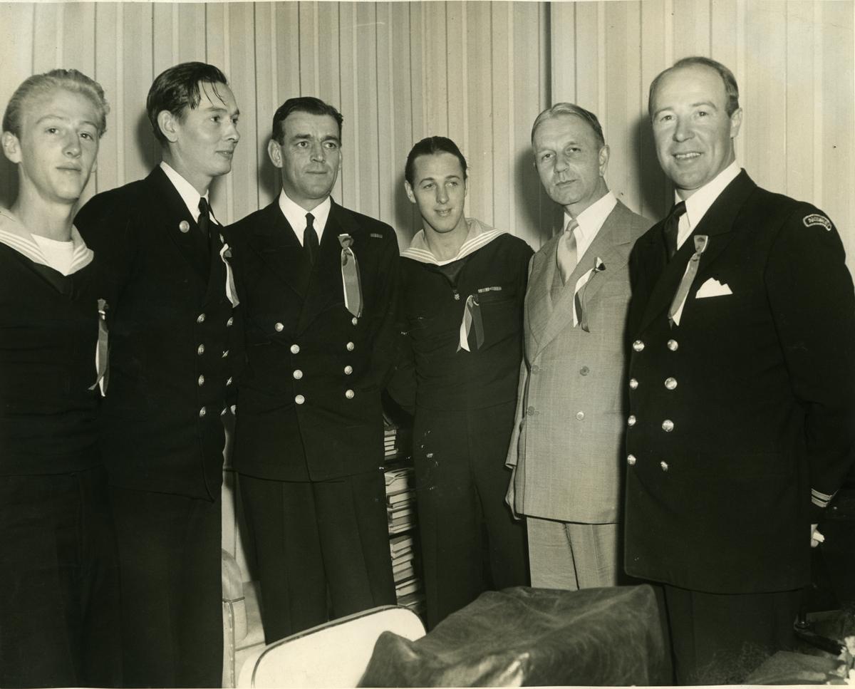 Album Ubåtjager King Haakon VII 1942-1946 Halifax NS. 17.mai 1944.